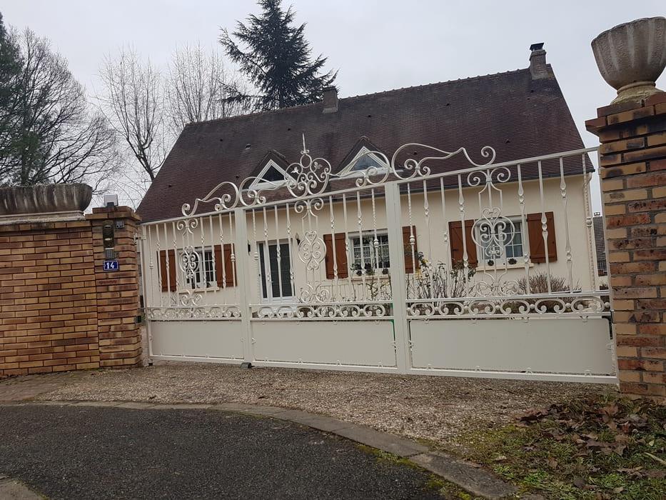 Portail Acier, Lamorlaye, Oise