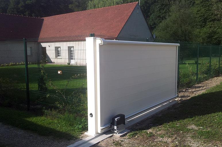Portail coulissant motoris verneuil en halatte for Portail garage motorise