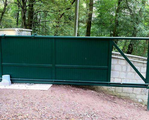 portail-aluminium-coulissant-motorise-gouvieux