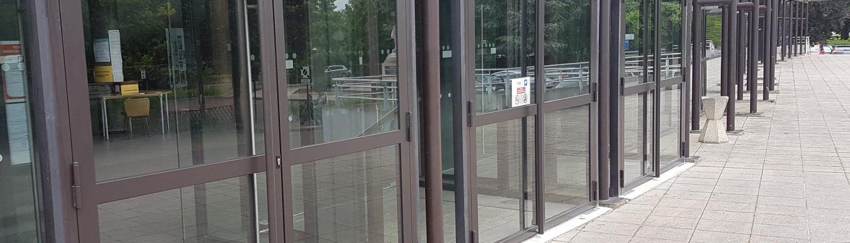 Porte acier vitrée thermolaquée