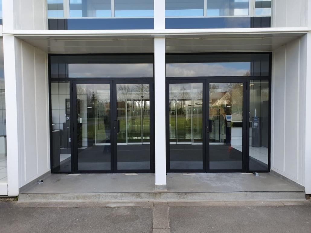 Porte Acier de Hall - Industrie à Senlis Oise
