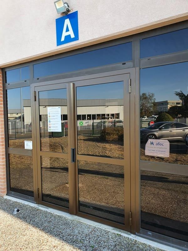 Porte acier vitrée - Compiègne