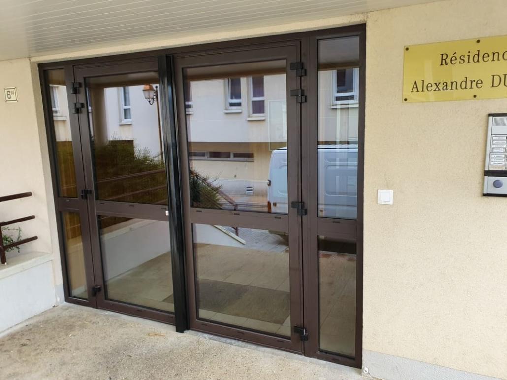 Porte de Hall en aluminium à Crepy en Valois, Oise