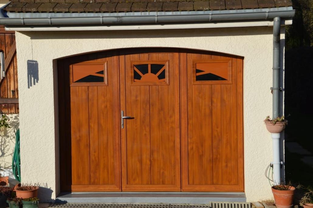 Porte de garage battante, Gouvieux, Oise
