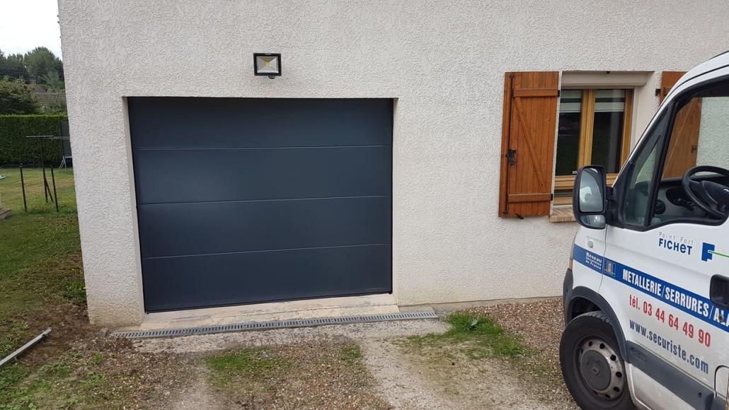 Porte de garage sectionnelle, Chantilly, Oise